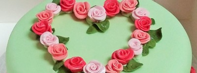 Rose buds - cake decoration
